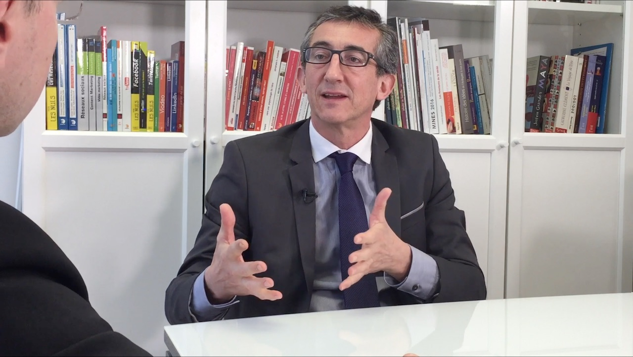 nicolas pavesi chasseur de t tes interview. Black Bedroom Furniture Sets. Home Design Ideas
